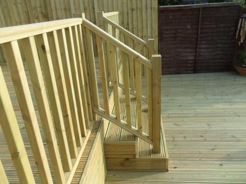 garden decking fitters